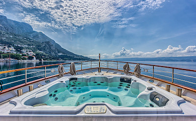 Hot Tub on the Melody - Bike & Boat Tours