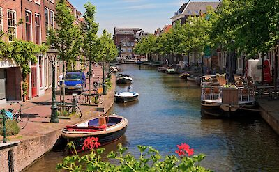 Canals in Leiden, South Holland, the Netherlands. Flickr:Tambako the Jaguar