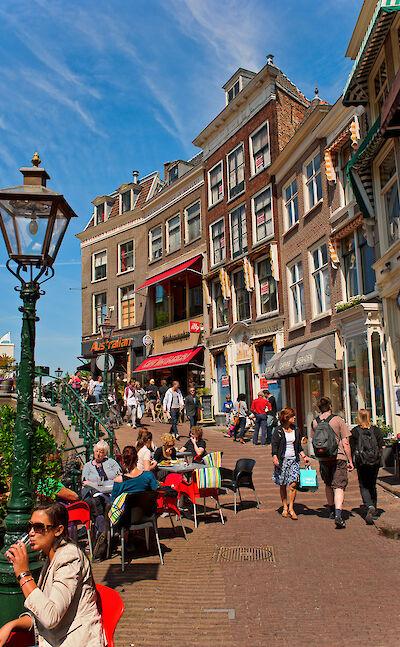 Shopping in Leiden, North Holland, the Netherlands. Flickr:Tambako the Jaguar