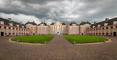 Paleis Het Loo is grand in Apeldoorn, the Netherlands. Creative Commons:Davidh820