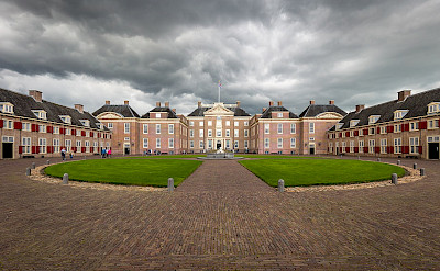 Paleis Het Loo is grand in Apeldoorn, the Netherlands. Creative Commons:Davidh820
