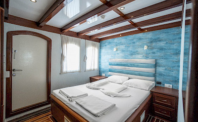 Double Cabin | Love Boat | Bike & Boat Tours