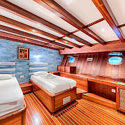 Twin Cabin | Love Boat | Bike & Boat Tours