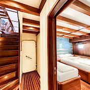 Twin Cabins - Love Boat | Bike & Boat Tours