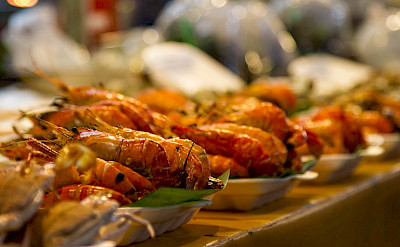 BBQ prawns in Rayong, Thailand. Photo via Flickr:Johan Fantenberg