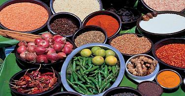 Spices and herbs galore in Sri Lanka! Flickr:Amila Tennakoon
