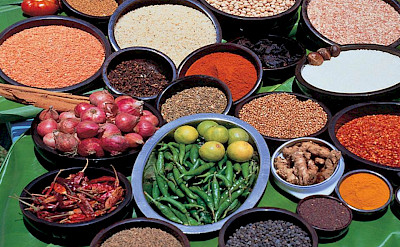 Spices and herbs galore in Sri Lanka! Flickr:Amila Tennakoon