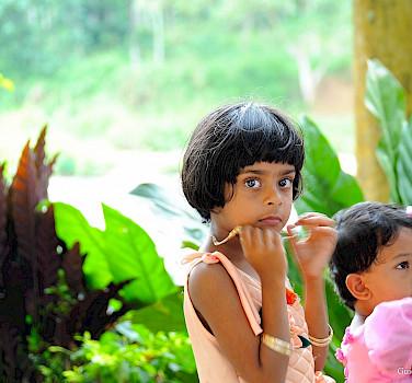Children playing in Sri Lanka. Flickr:Guido Bramante