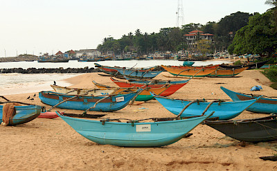 Boats and beach in Tangalle, Sri Lanka. Flickr:Bianca
