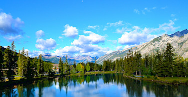 Gorgeous scenery in Banff, Alberta, Canada. Photo via Wikimedia Commons:Balachand
