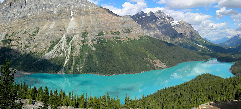 Peyto Lake, Banff National Park, Alberta, Canada. Photo via Wikimedia Commons:Tobi87
