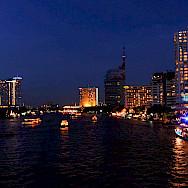 Busy nightlife in Bangkok, Thailand. Photo via Flickr:VnGrijl
