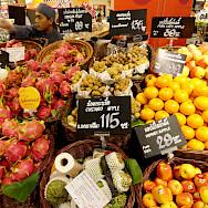 Fresh fruit for sale in Thailand. Photo via Flickr:Fabio Achili