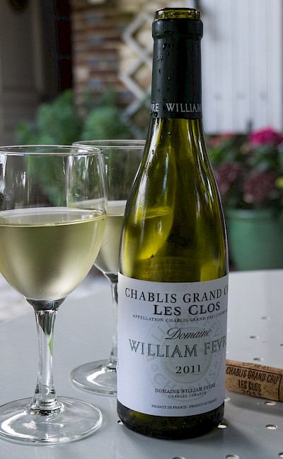 Chablis wine tasting in Chablis wine country. Flickr:Anna & Michal