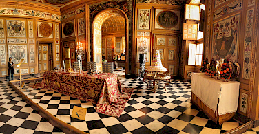 Interior of Château de Vaux le Vicomte. Photo via Flickr: Panoramas
