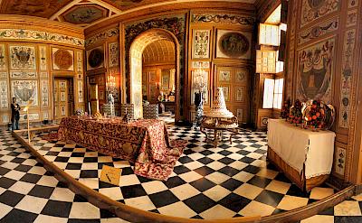 Interior of Château de Vaux le Vicomte. Flickr: Panoramas