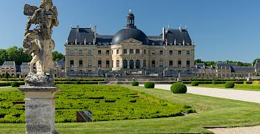 Château de Vaux le Vicomte in Maincy, near Melun, France. Photo via Flickr:Guillaume Speurt