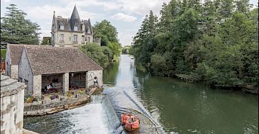 Bike rest in Moret-sur-Loing, France. Photo via Flickr:Gksens-Yonne