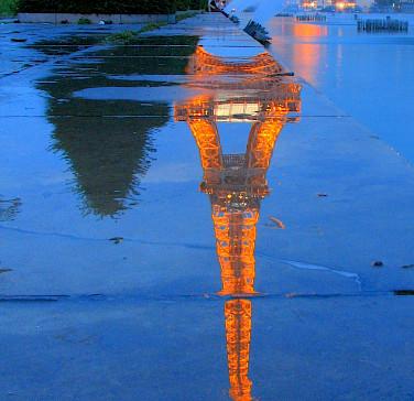Eiffel Tower in Paris, France. Flickr:runner310