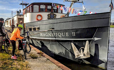 Magnifique II   Bike & Boat Tours
