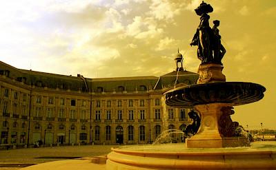 Place de la Bourse, Bordeaux, Aquitaine, France. Photo via Flickr:Tophee