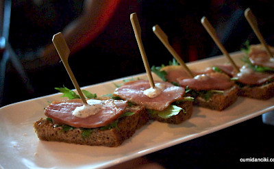 Hors d'oeuvres with your wine tasting in Bordeaux! Flickr:@ccfoodtravel