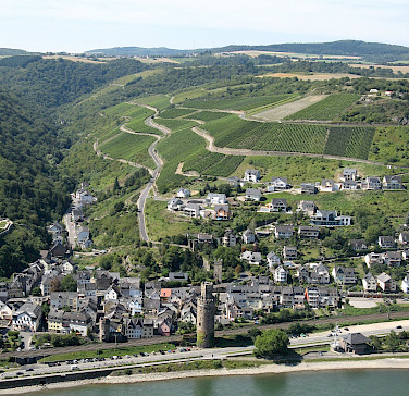 View of Oberwesel and the vineyards on the Rhine River hilltops. Photo via Flickr:m.prinke