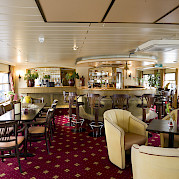 Lounge/Bar Area - Bordeaux | Bike & Boat Tours