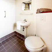 Cabin Bathroom - Bordeaux | Bike & Boat Tours