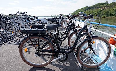 Bike storage on sundeck - Bordeaux | Bike & Boat Tours