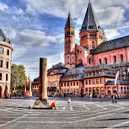 Cathedral in Mainz, Germany. Flickr:Heribert Pohl