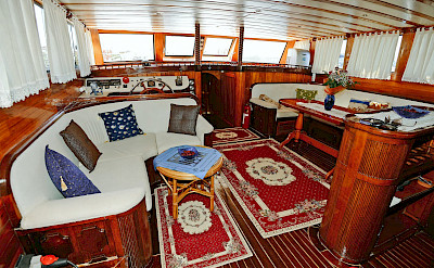 Lounge | Sundial | Bike & Boat Tours