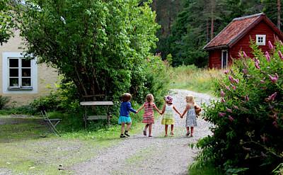 Girls in Gnesta, Sweden. Flickr:[kajsa]