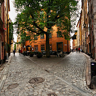 Alleyways in Gamla Stan, Old Town in Stockholm, Sweden. Photo via Flickr:Miguel Virkkunen Carvalho