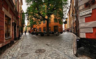 Alleyways in Gamla Stan, Old Town in Stockholm, Sweden. Flickr:Miguel Virkkunen Carvalho