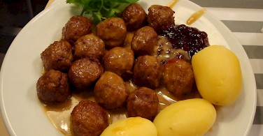 The popular Swedish meatballs or köttbullar. Photo via Flickr:Nenyaki
