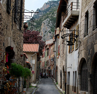 Ferrière en Gâtinais, France. Photo via Flickr:Nicolas Boullosa
