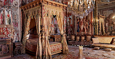 Interior of Château de Fontainebleau - gorgeous to see! Creative Commons:Thesupermat