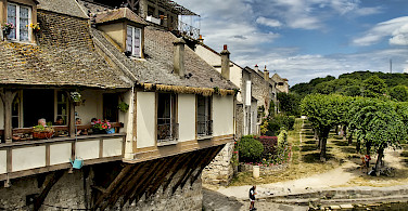 Moret-sur-Loing, France. Photo via Flickr:Stephane Martin