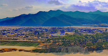 Andong Hahoe Folk Village from Buyongdae Cliff, South Korea. Photo via Flickr:travel oriented
