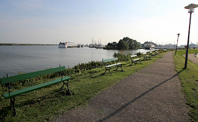 Quiet bike paths in Enkhuizen and all of Holland. Photo via Flickr:bert knottenbeld