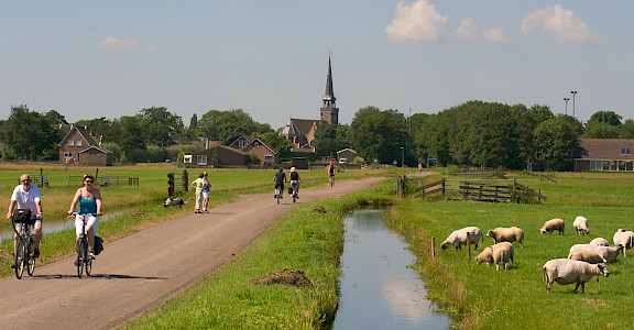 Biking the Bike & Sail IJsselmeer tour in Holland! ©TO