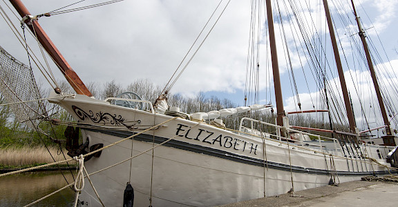 Elizabeth | Bike & Boat Tours