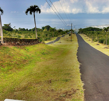 Coffee Plantation Road in Kailua Kona, Hawaii. Photo via Flickr:jai Mansson
