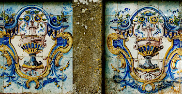 Old Portuguese tiles in Sintra, Portugal. Photo via Flickr:Pedro Ribeiro Simoes