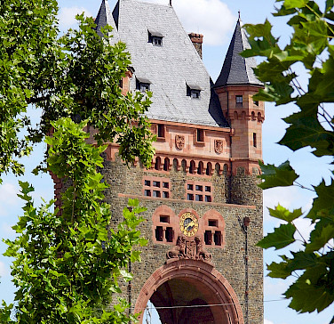 Nibelungen Bridge in Worms, Germany. Photo via Flickr:Dirk Weßner