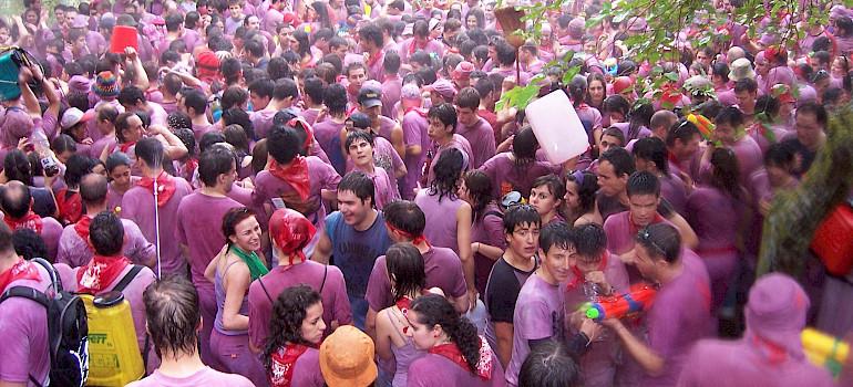 Battle of Wine, Haro, La Rioja, Spain. Photo via Wikimedia Commons:BigSus