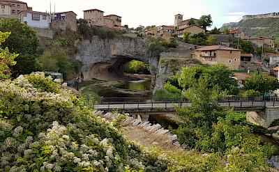 Puentedey in La Rioja, Spain. Flickr:Raulab