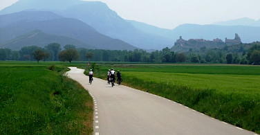 Quiet bike paths amidst the mountains in La Rioja, Spain. Photo via IberoCycle