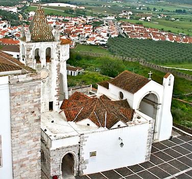 Overlooking Estremoz, Alentejo, Portugal. Photo via Flickr:Francois Philipp